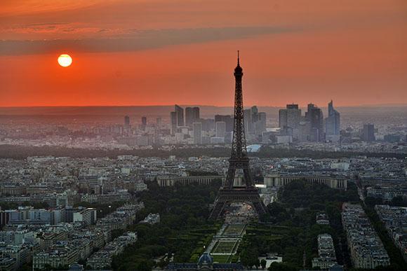 Trenes AVE te lleva esta Semana Santa 2017 a París