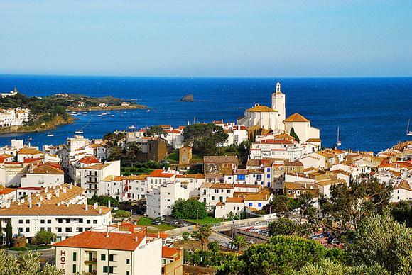 Conoce algunos de los pueblos más bonitos de Girona viajando en trenes AVE