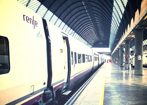 Última oportunidad para viajar con billetes para trenes AVE a 24 euros entre Madrid y Valencia