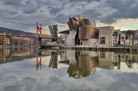 Trenes baratos a Bilbao para visitar el Guggenheim en septiembre 2017