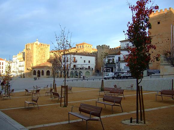 Billetes de tren baratos para viajar a Cáceres en enero 2018