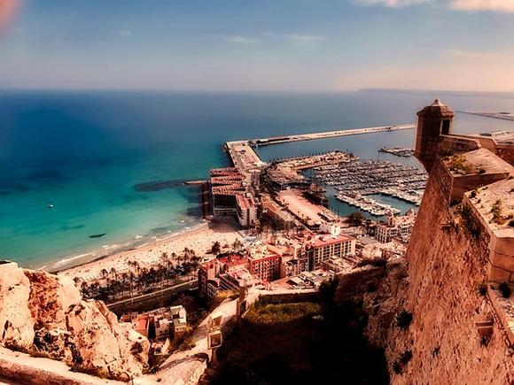 Trenes AVE baratos para viajar a Alicante en enero de 2018
