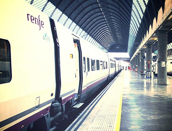 Refuerzos en los trenes AVE León Madrid verano 2018