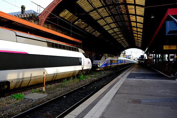Refuerzan los trenes AVE Barcelona Paris en verano 2018