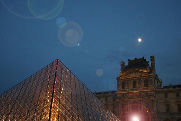 Visita París viajando en AVE barato