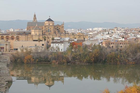 Viaja en trenes AVE baratos a Córdoba en diciembre 2018