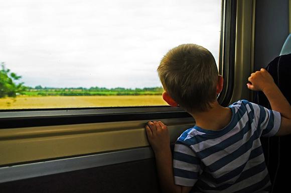 Billetes de tren baratos para el Puente de la Constitución 2018
