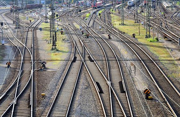 Inversiones en la línea de tren Granada Almería 2018 2019