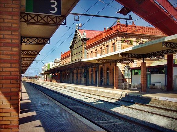 Trenes baratos para viajar a Almería en 2019