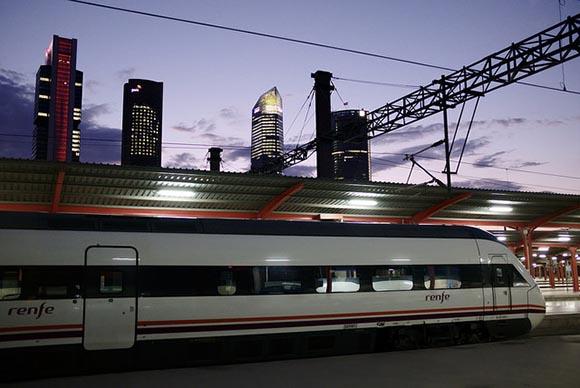 En 2020 trenes directos de Ourense a Sevilla o Madrid