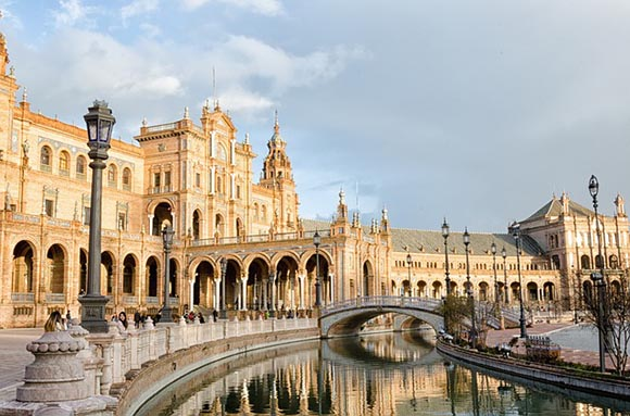 Trenes AVE baratos a Sevilla en febrero 2019