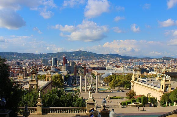 Disfruta de Barcelona viajando en trenes AVE este 2019