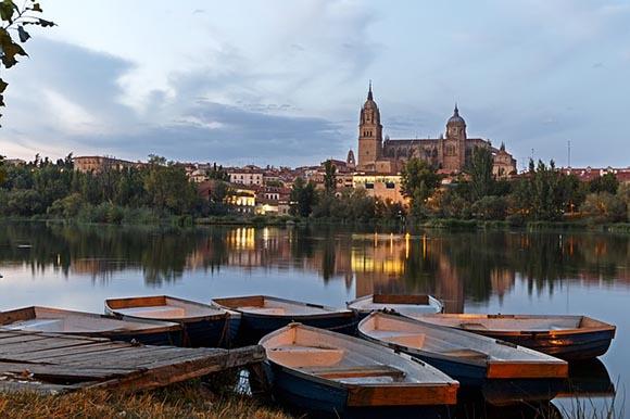 Viaja en trenes baratos a Salamanca en enero 2019