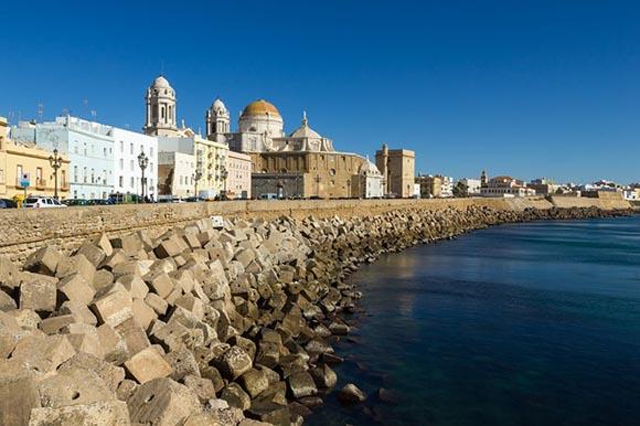 Descubre Cádiz este 2019 en trenes baratos