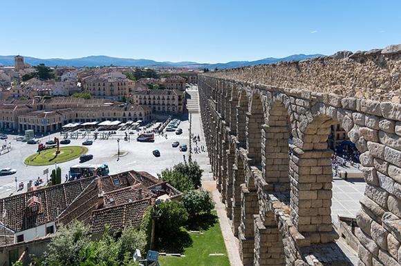 Viaja a Segovia en trenes AVE baratos en marzo 2019