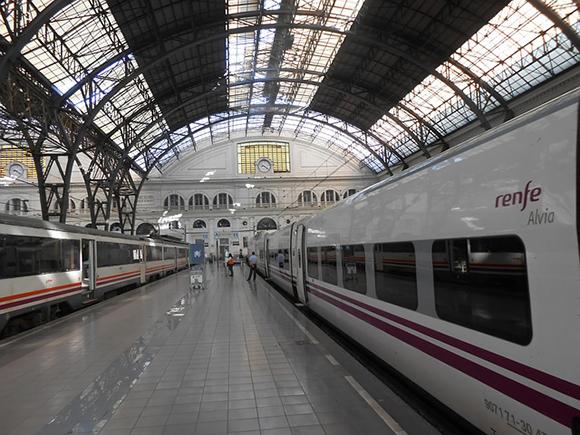 Los trenes Barcelona Valladolid circulan hasta Salamanca en 2019