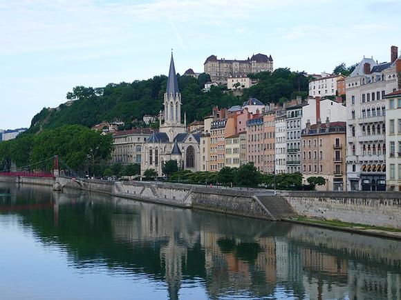 Viaja a Lyon en trenes AVE este mes de mayo 2019