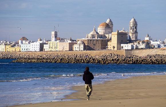 Viajes baratos en tren por España para abril 2019