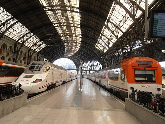 La puntualidad media de los trenes supera el 90% en 2019