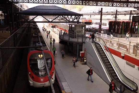 Trenes de Media Distancia en la estación Príncipe Pío junio 2019