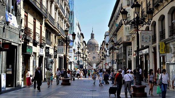 Viaja en trenes AVE baratos a Zaragoza en julio o agosto 2019