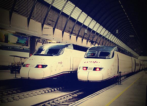 Trenes AVE en doble composición para el verano 2019