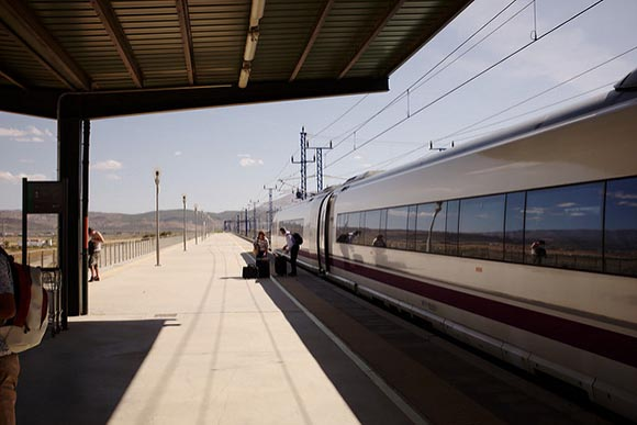 Aumentan los turistas en los trenes AVE de Antequera 2019