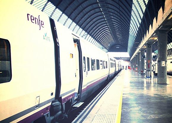 Datos sobre los trenes AVE de Granada hasta agosto 2019