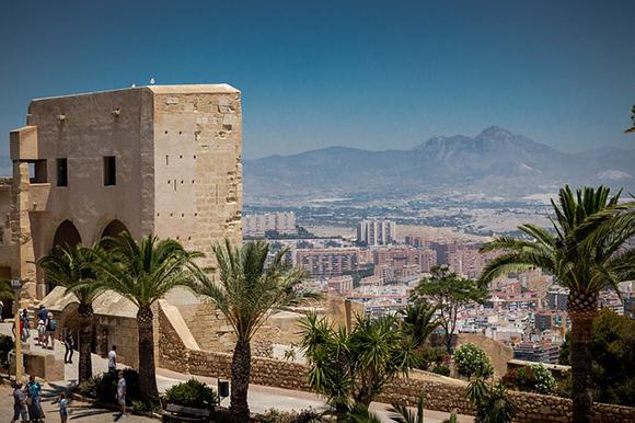 Descubre Alicante en septiembre 2019 con trenes AVE