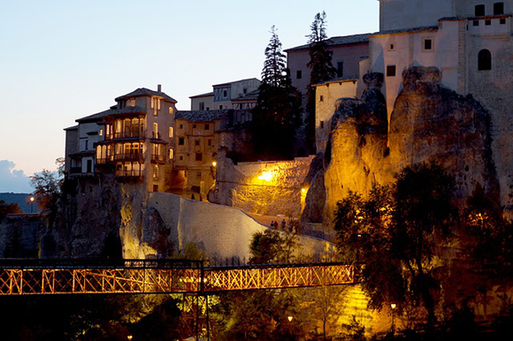 Viaja a Cuenca en trenes AVE baratos este San Mateo 2019