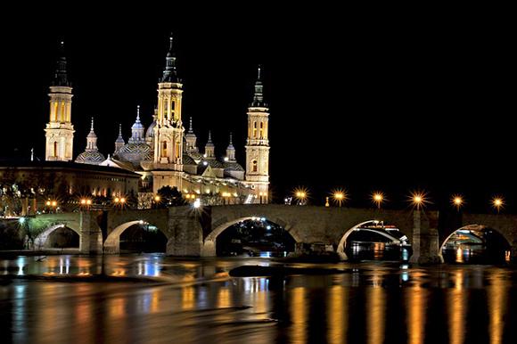 Vive los Pilares de Zaragoza 2019 viajando en trenes baratos