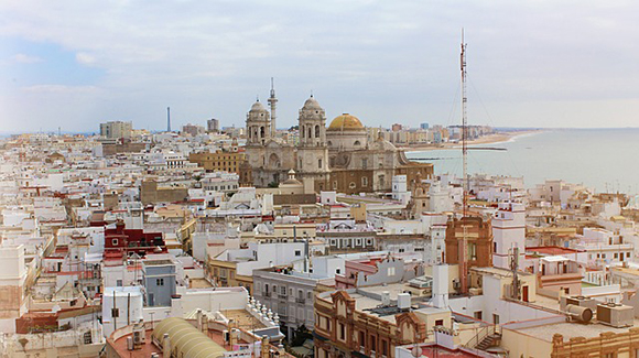 Visita Cádiz en trenes baratos este otoño 2019