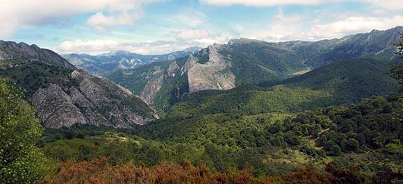 Disfruta del otoño 2019 en Asturias viajando en trenes baratos