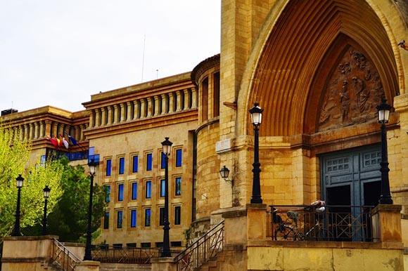 Viaja en trenes AVE al mejor precio a Abycine 2019