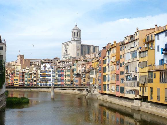 Puente de Diciembre 2019 en Girona con trenes AVE