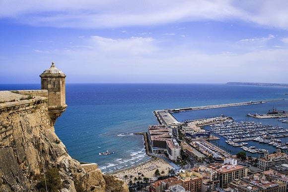 Trenes AVE baratos a Alicante esta Navidad 2019