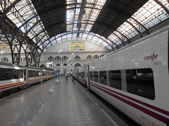 Tiempos de viaje de los trenes Barcelona Alicante 2020
