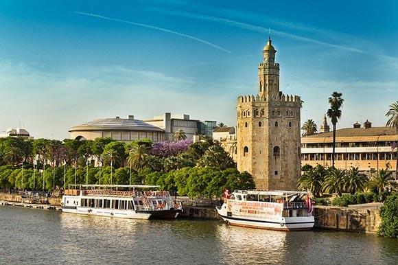 Viaja este marzo 2020 en trenes AVE baratos a conocer Sevilla