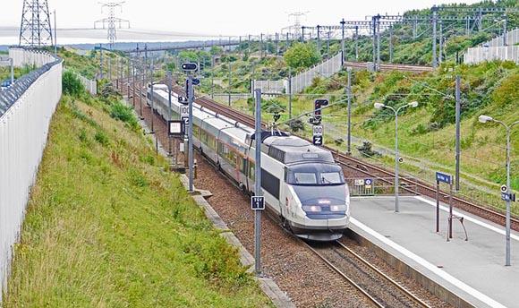 Séptimo año de trenes AVE Francia España en 2020
